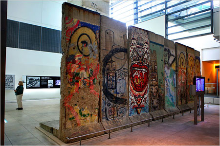 newseum-berlin-wall