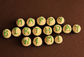 Happy Birthday W&M! written on cupcakes