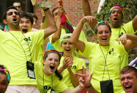 Orientation Aides cheering at Move-In