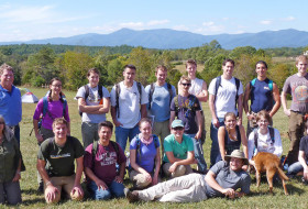The 2014 Field Methods crew in front of a Blue Ridge backdrop.  Our hosts Ann and Jerry Samford (W&M Geology 1977) are on the left.