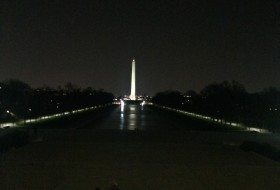 Night view of the Washington memorial