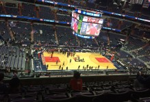 DC seminar students attend a Washington Wizards game