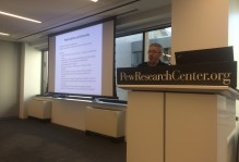 Scott Keeter of Pew Research Center presenting facts about polarization to W&M in Washington students