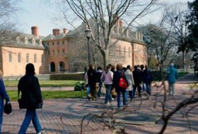 group of students walking wm campus