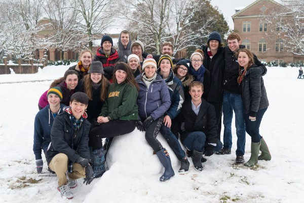 Taliaferro residents taking advantage of the snow day! (photo from the Humans of William & Mary Facebook page.)