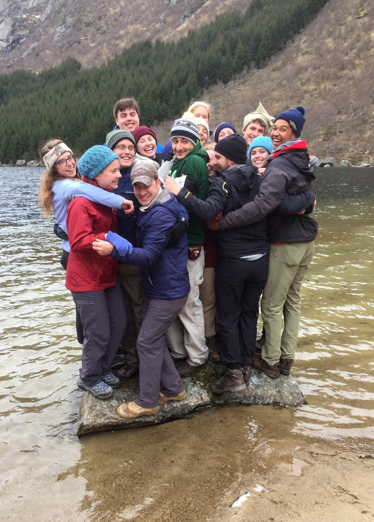 Class bonding. All 16 of the Geology 310 students on a rock in the middle of Djupfjordvatnet.