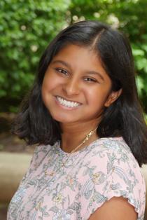 Sonia Kinkhabwala '21 smiling
